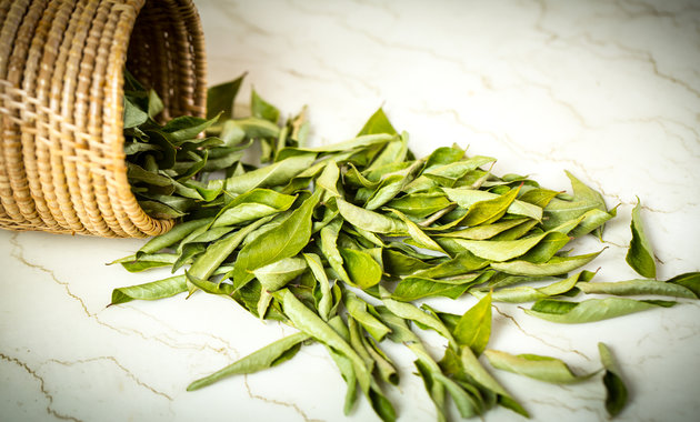 6 Surprising Health Benefits Of Curry Leaves (Kadi Patta)