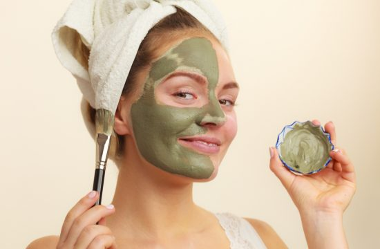 7 Home Remedies To Get Rid Of Oily Skin Naturally!